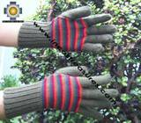 100% Alpaca Wool Gloves with Stripes Designs green and red  - Product id: ALPACAGLOVES09-32 Photo03