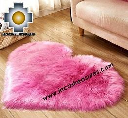 100% Alpaca baby alpaca round Fur Rug Heart Shape - Product id: ALPACAFURRUG19-01 Photo02
